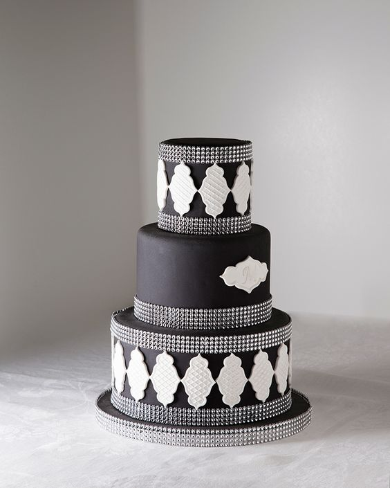 LWD025 - Lyer and Wedding Cake
