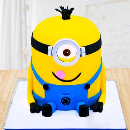 MIN003 - Captivating Minion Cake