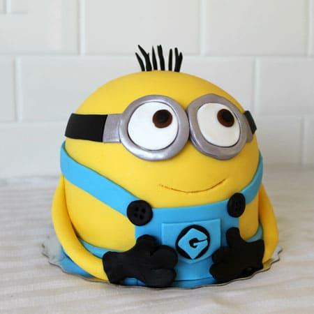 MIN005 - Cute Minion Cake