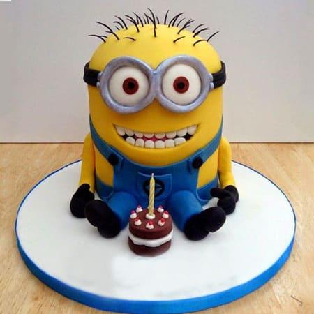 MIN006 - Dainty Minion Cake