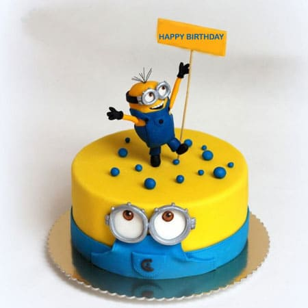 MIN007 - Daring Minion Cake