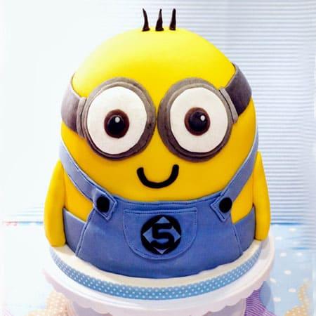 MIN009 -  Delightful Minion Cake