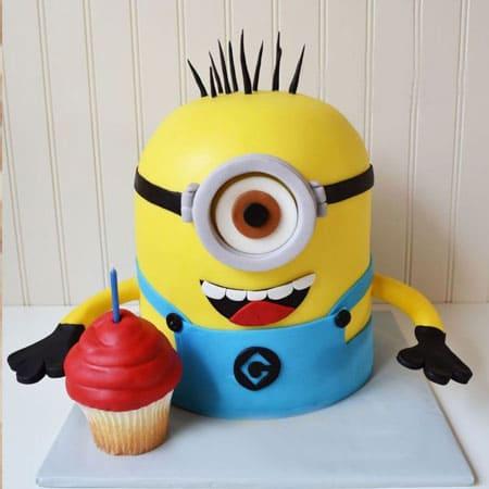 MIN014 -  Minion Cake with Cupcake