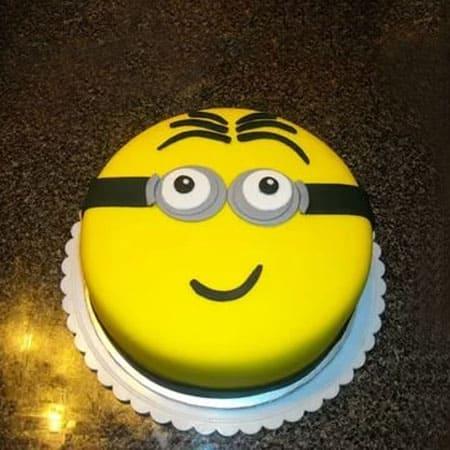 MIN020 - Pleasant Minion Cake