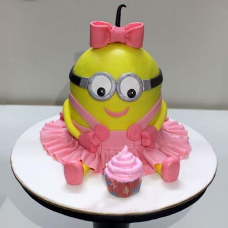 MIN021 - Pretty Minion Cake
