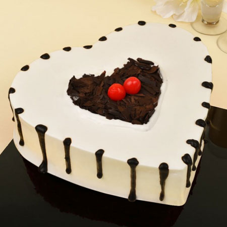 BLF008 - Heart-Felt Black Forest Touch Cake