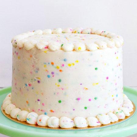 VAN002 -  Delicious Vanilla Cream Cake