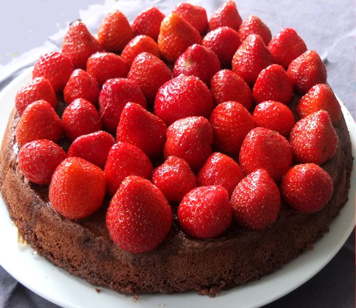 STR019 - Strawberry_Chocolate_Cake