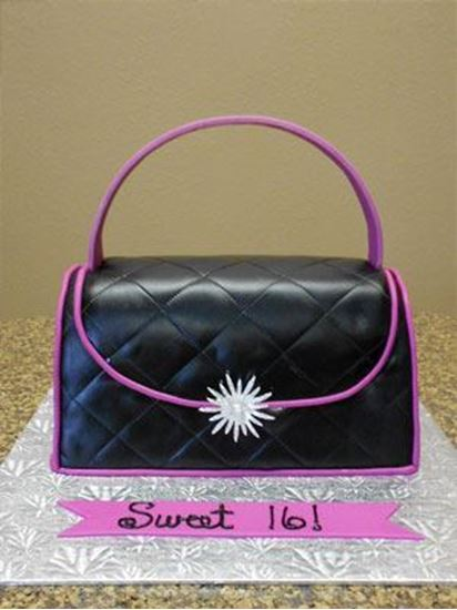 THM005 - Hand Bag Theme Cake