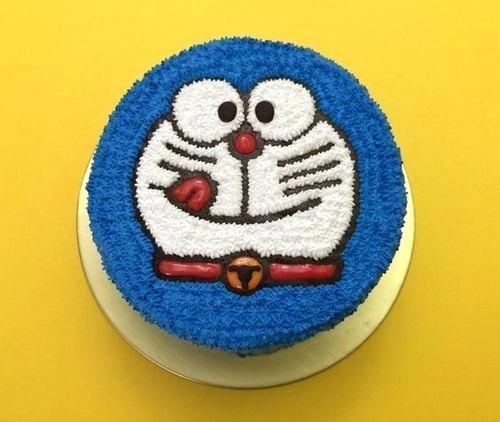 CRT010 - Dora Cake