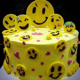 SMY013 - Smiley Cake