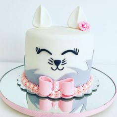 Surprising Thm027 Cat Cake Theme Cake Cake Delivery In Bhubaneswar Funny Birthday Cards Online Fluifree Goldxyz