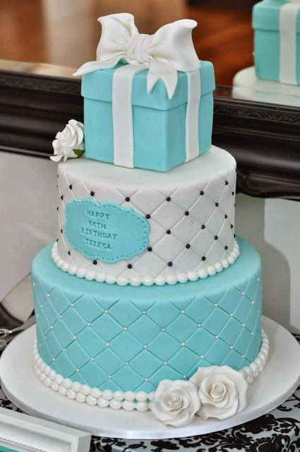 LWD031 - Gift layer Cake