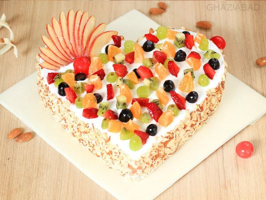 FRU007 - Heart fruit cake