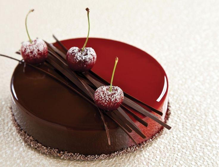 MRR004 - Choco Strawberry Mirror Cake