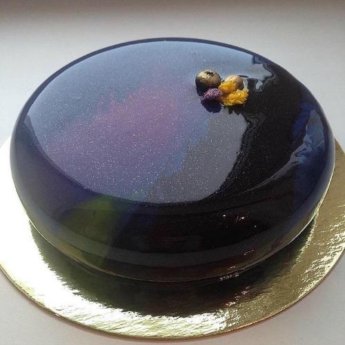 MRR005 - Galaxy Mirror Cake