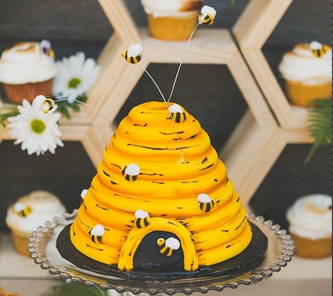 BMB005 - Bumblebee Cake