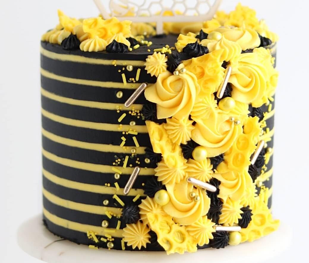 HBD035 - Honey Bee Cake