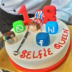 SMC004 - Selfi Queen Cake