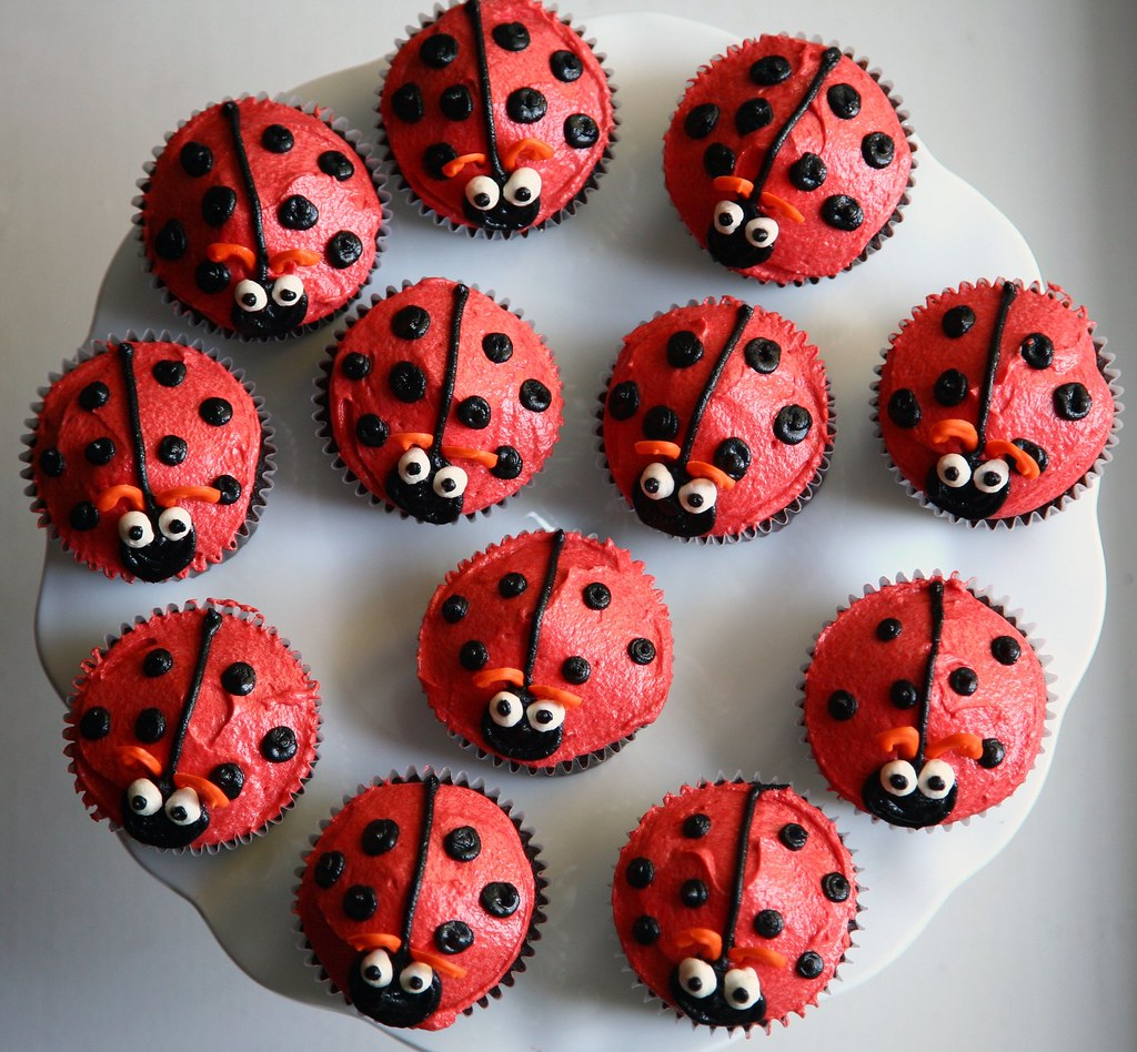 CPC018 - Ladybug Cup Cake
